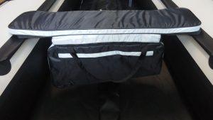 Мягкая накладка на сиденье с сумкой (80см) (для моторных лодок длиной от 2,9 м до 3,2 м)